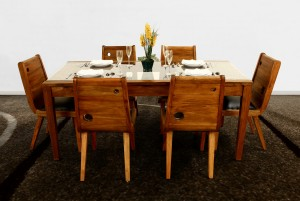 Onada Dining Set