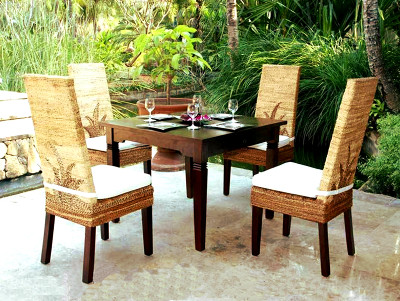 Molusca Wicker Dining Set
