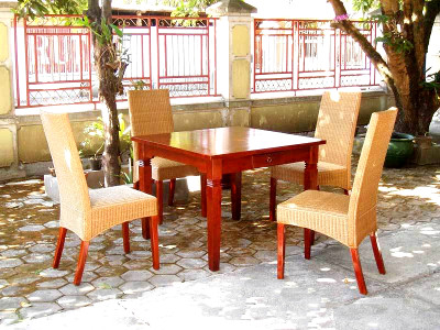 Merkurius Dining Set