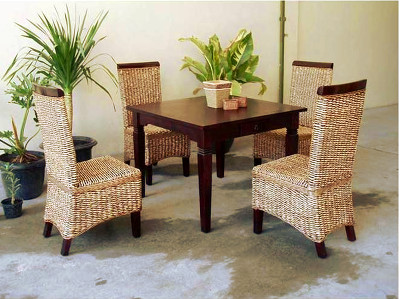 Dilla Wicker Dining Set