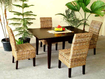 Gati Dining Set