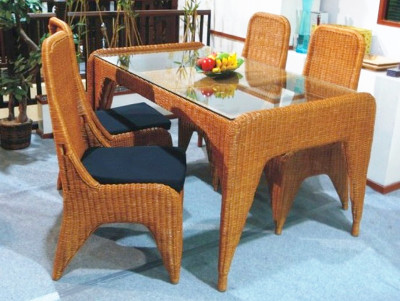Elegano Dining Set